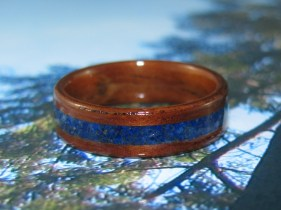 Rosewood ring with a Lapis Lazuli band